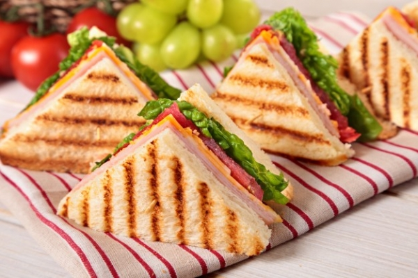 ham-and-cheese-toast_1147-511